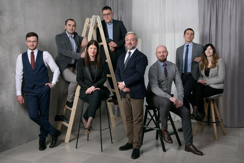 Grupni korporativni portret, Dimitrijević i partneri