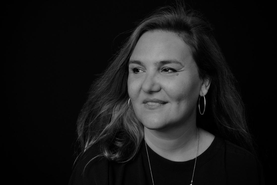 Senke Maric, autorica romana Kindsugi tijela i Gravitacije